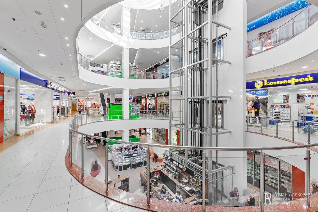 Фото атриума в торговом центре