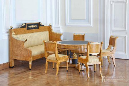 Фото мебели из карельской березы