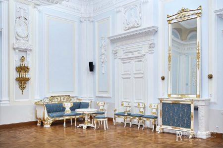 Фото Петровского путевого дворца