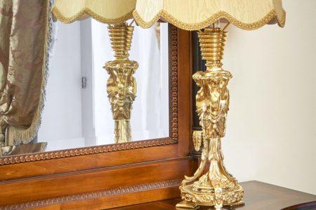 Фото насторльная лампа барокко