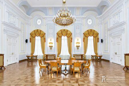 Петровский путевой дворец фото интерьера